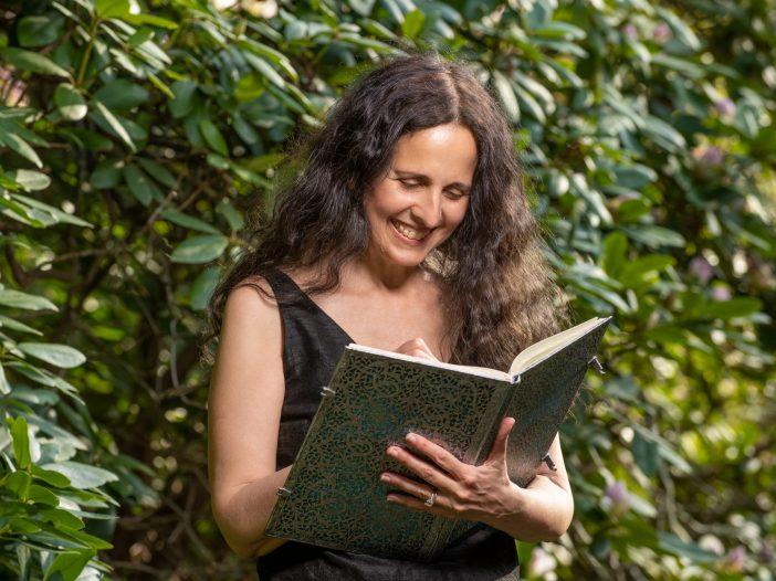 Lisa Tener journaling